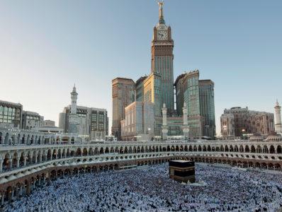 The-Clock-Tower-is-north-of-the-Kaaba_-www_swiecienasz_com